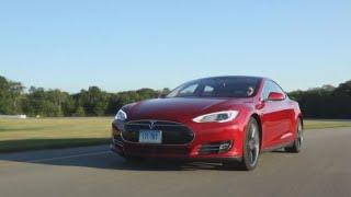 Tesla CEO Elon Musk: No plans to raise capital
