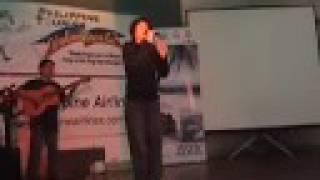 JONATHAN BADON Performs 'Granada Yoyoy' in HONGKONG for WOW Philippines Volunteer 12