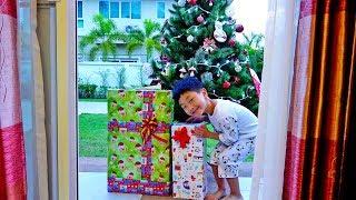 크리스마스 선물 받았어요! 서프라이즈 산타 장난감 선물 받은 예준이 몰래 카메라 아침일상 Christmas Morning Surprise Santa Present for Kids