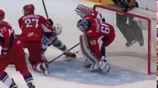 В третьем матче финала Западной конференции между «Локомотивом» и «СКА» произошла массовая драка