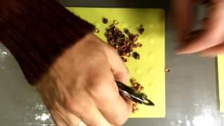 Лайфхак как очистить от скорлупы кедровые орешки