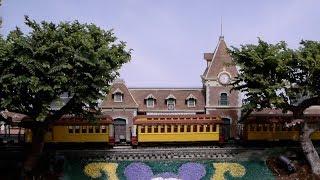 Disneyland Railroad In The Back Yard