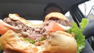 Garlic White Cheddar Burger Review McDonald's - Video Youtube