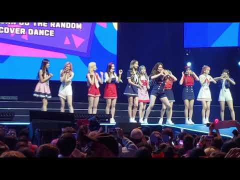 KCON NY 2019 IZ*ONE-Airplane, games, Violeta, Rumor, La Vie en Rosee and Pick Me
