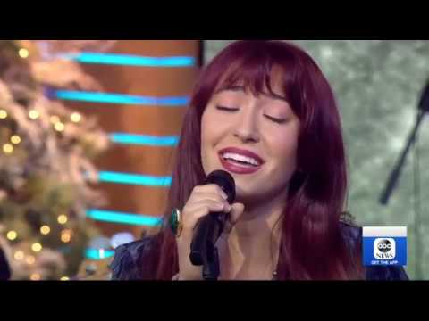 "Lauren Daigle Performs ""You Say"" Live On Good Morning America"