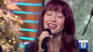 Gambar cover Lauren Daigle Performs