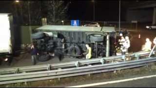 preview picture of video 'LKW Anhänger auf der A14 Knoten Bregenz umgestürzt'