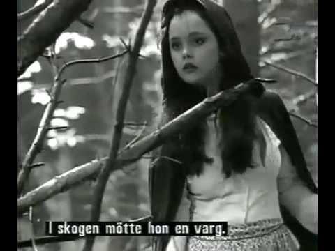 , title : 'Christina Ricci - Little Red Riding Hood (1997) [B&W]