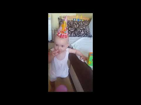 Первая годовщина Евы. Развлекаемся с шариками / The first anniversary of Eva. Having fun with balls