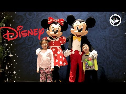 Mickey Mouse and Minnie Mouse in Real Life at Disney Beach Club Resort with fun kids activities!!