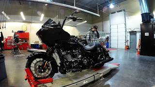 2018 HD Road Glide Special Slip-On Muffler Install In Time Lapse
