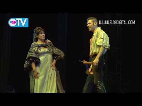 Presidente Daniel recibe a participantes del Festival Pucciniano
