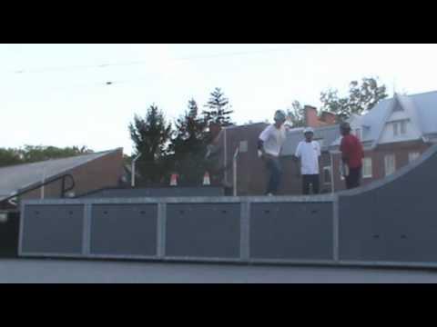 Chris kickflip hannah moore skatepark dock (ramped slo mo)