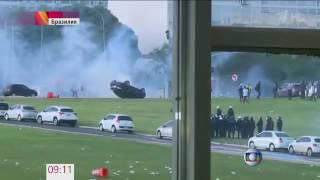 В Бразилии митинг против урезания социальных расходов вылился в столкновения с полицией