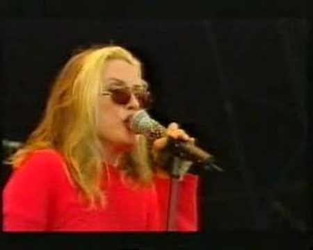 "Blondie, ""Denis"", Live at Glastonbury 1999"
