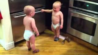 Die besten 100 Videos Babys unterhalten sich. :)