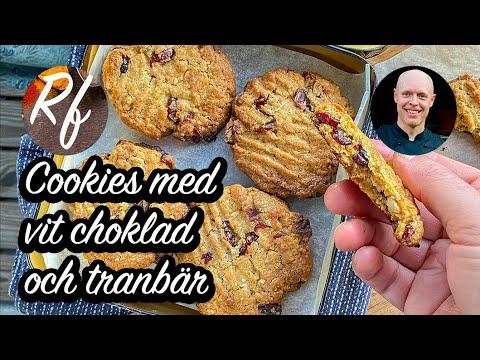 Baka cookies med vit choklad och tranbär.Söt vit choklad smakar bra ihop med de syrliga tranbären.Goda till fika, kakfat eller utflykt.>