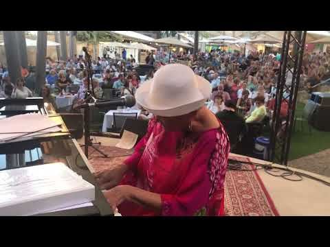 Betty Bryant - Festival of Arts, Laguna Beach, Aug 2018 online metal music video by BETTY BRYANT