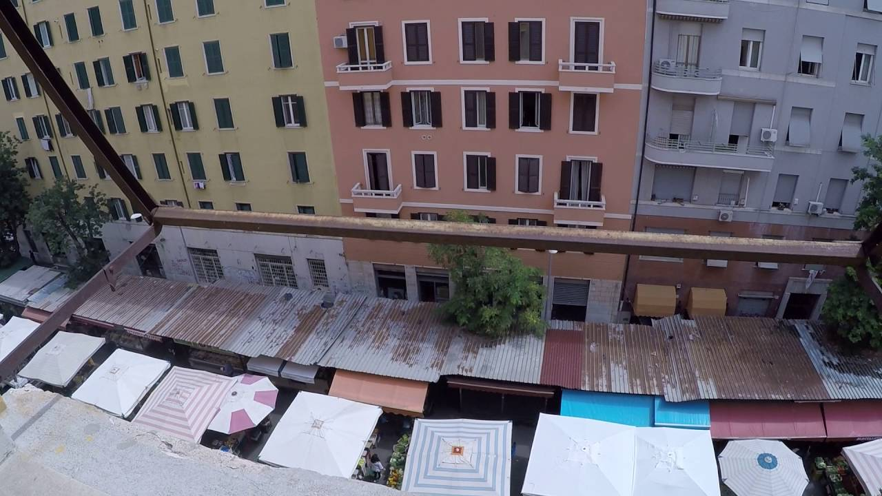 Bright rooms for rent in 80m2 3-bedroom apartment with balcony in Appio Latino