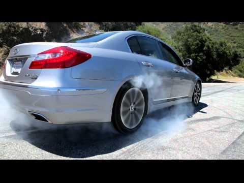 Hyundai Genesis 5.0 R-Spec Burnout
