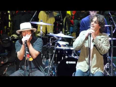 FINAL LIVE PERFORMANCE OF HUNGER STRIKE w/ Chris Cornell + Eddie Vedder, Temple of the Dog, 10/26/14