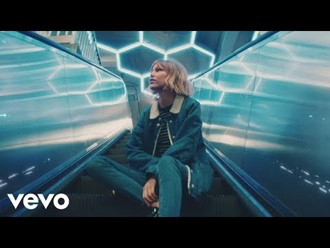 Grace VanderWaal – City Song