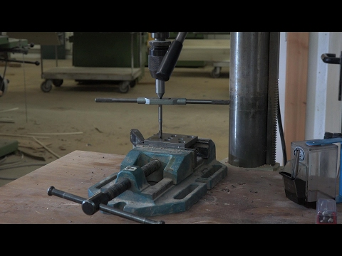 Gewinde schneiden an der Bohrmaschine/Thread cutting on a Drill press