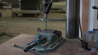 Gewinde schneiden an der Bohrmaschine/Thread cutting on a Drill press