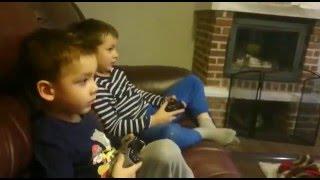 Вот как надо играть в Xbox One! Прикол. Смешно.