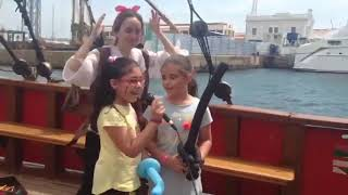 """Karaoke """"Despacito"""" en un barco pirata infantil"""