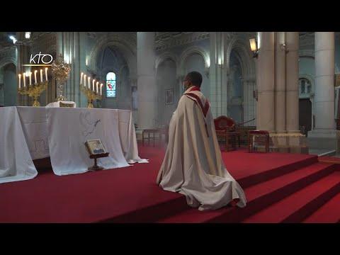 En prière pour le père Olivier Maire
