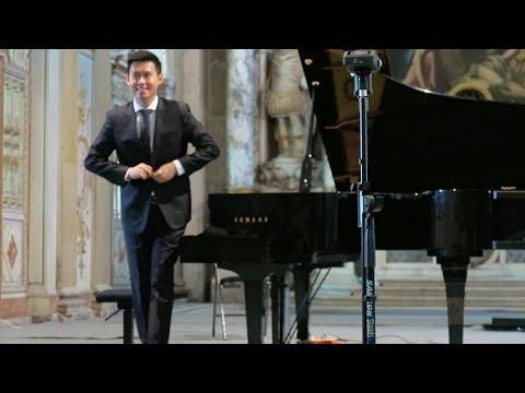 Wenting Yu's solo at Palace of Fontainebleau, France