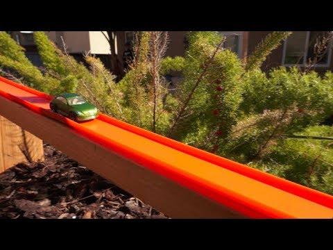 玩家將整個院子改裝為《風火輪》小汽車賽道~