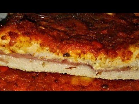 Pizza Rellena de jamón y queso