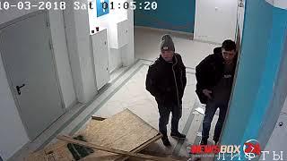 Во Владивостоке мастер спорта по боксу разломал лифт в подъезде жилого дома