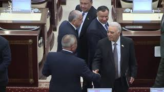 Milli Məclisdən efirə getməyən görüntülər - Deputat narazılıq edir