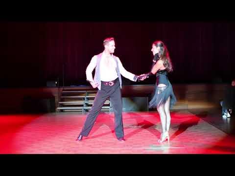 Professional Showdance Latein und Standard - Chaska und Marc video preview