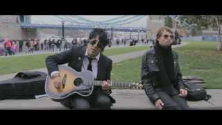 Falling Doves - Live in London - on the Tower Bridge - Acoustic set plus Interview