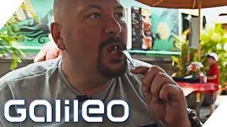 Jumbo Schreiner testet Burger im Hawaii-Style   Galileo   ProSieben