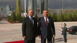 Путин встретился с Назарбаевым в Астане