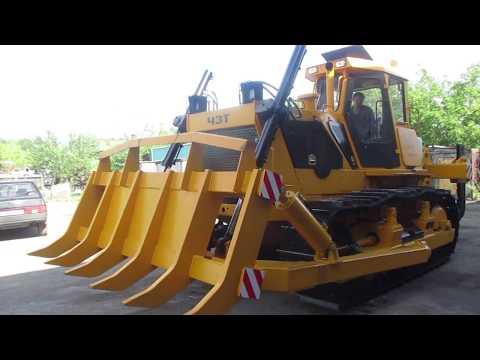 ВИДЕОРОЛИК Шестикатковый трактор с корчевателем и рыхлителем
