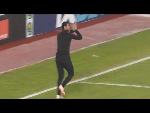 الشناوي يرد تحية جماهير الأهلي بمدرجات برج العرب قبل مباراة فيتا كلوب
