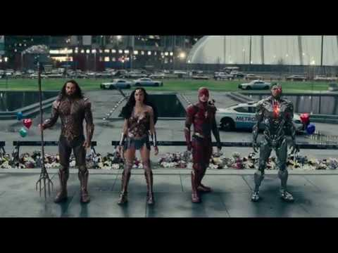 Justice League (TV Spot 'Friends')