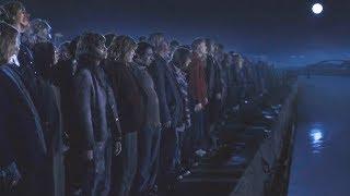"""【穷电影】丧尸进化出可怕能力,人类被围攻在""""死亡禁区""""内,陷入绝境"""