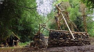 Iron Age Bushcraft Build - Roof Building In Soaking Rain: DODGY STUFF! (Ep.8)