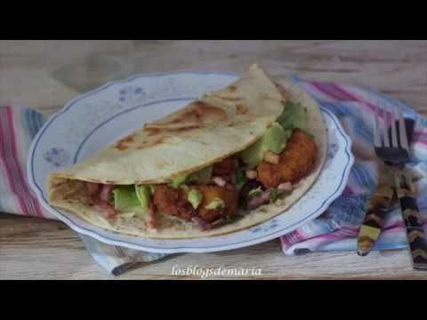 Tacos de pollo empanado y guacamole