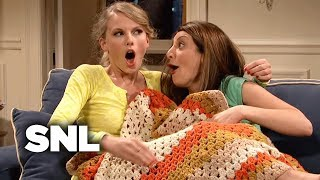 Roomies - Saturday Night Live