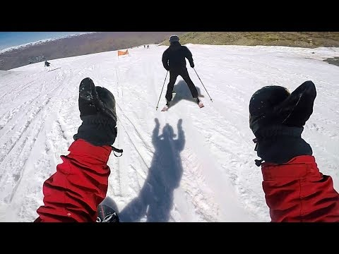 WHY DO SNOWBOARDERS HATE SKIERS?