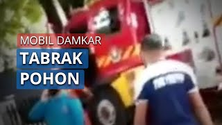 Mobil Damkar Tabrak Pohon di Rungkut Industri, Sopir Luka Ringan