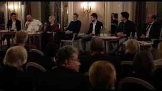 Les jeunes philanthropes: engagés et concernés Video Preview Image